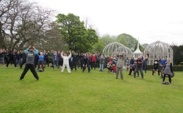 A wonderful World Tai Chi Day, 140 people in 7 groups 1